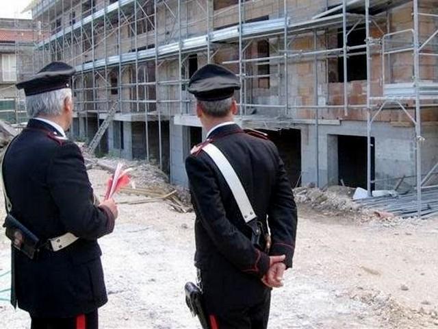 Abusivismo edilizio e lavoro nero: denunce e sanzioni