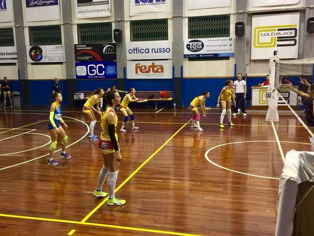 Pallavolo femminile Serie B2, rimonta a metà per l'Accademia all'esordio in campionato