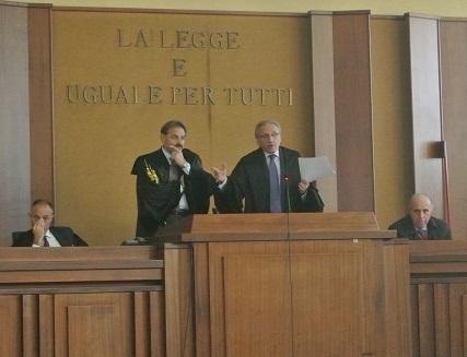 http://www.realtasannita.it/bt_files/newspaperFiles/assembleaavvocati.jpg