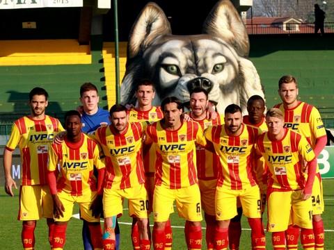 Calcio, il Benevento lascia indenne il 'Partenio' e conquista la seconda posizione in classifica