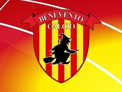 http://www.realtasannita.it/bt_files/newspaperFiles/beneventocalcio_1.jpg
