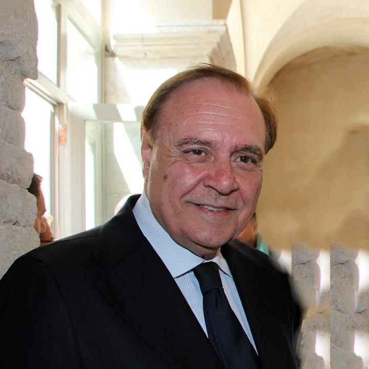 In Primo Piano Si E Dimesso Il Sindaco Di Benevento Clemente Mastella
