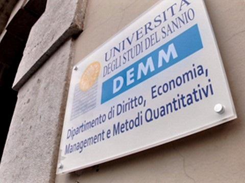 http://www.realtasannita.it/bt_files/newspaperFiles/demmunisannio_2.jpg