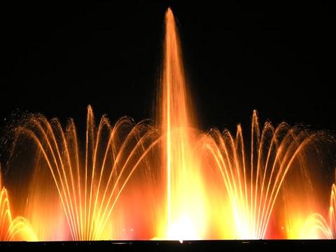 PAUPISI - Il 6 gennaio lo spettacolo di fontane danzanti 'Armonie degli elementi'