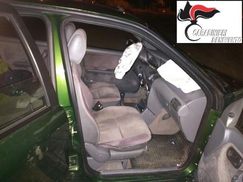 S. LORENZO MAGGIORE - Tentano un furto e scappano ma finiscono con l'auto fuori strada