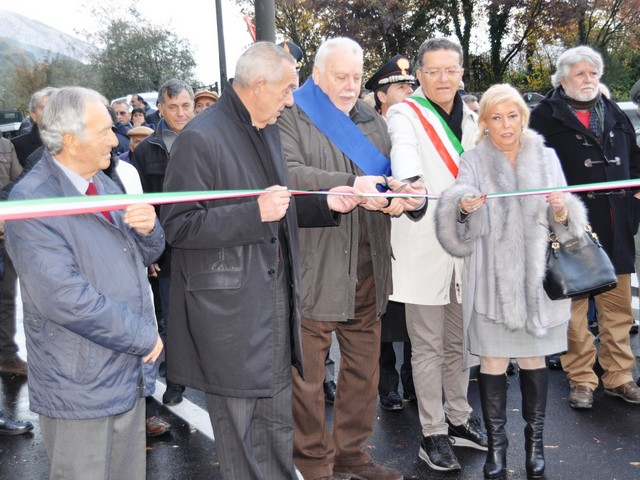 http://www.realtasannita.it/bt_files/newspaperFiles/inaugurazionejenga_1.jpg