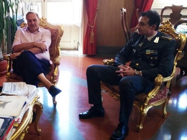 Palazzo Mosti. Il sindaco Mastella ha ricevuto il colonnello Intelisano neo comandante della Guardia di Finanza
