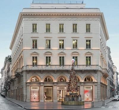 http://www.realtasannita.it/bt_files/newspaperFiles/palazzofendi.jpg