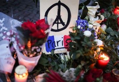 Strage di Parigi: tacere o che fare?