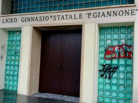 Ennesimo atto vandalico al Liceo 'Giannone'. La ferma condanna del presidente della Provincia Claudio Ricci