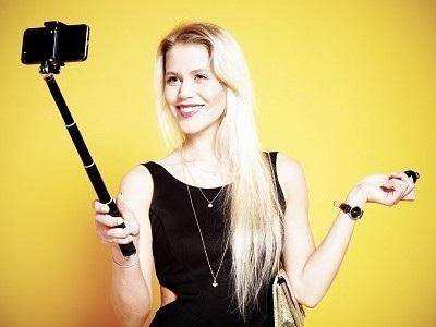 http://www.realtasannita.it/bt_files/newspaperFiles/selfie.jpg