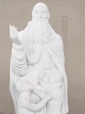 Un monumento a Padre Acernese