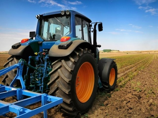 Siccità: la Regione Campania delibera l'aumento di gasolio agricolo