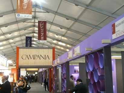 http://www.realtasannita.it/bt_files/newspaperFiles/vinitaly2012.jpg