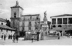 Piazza Orsini agli inizi del '900